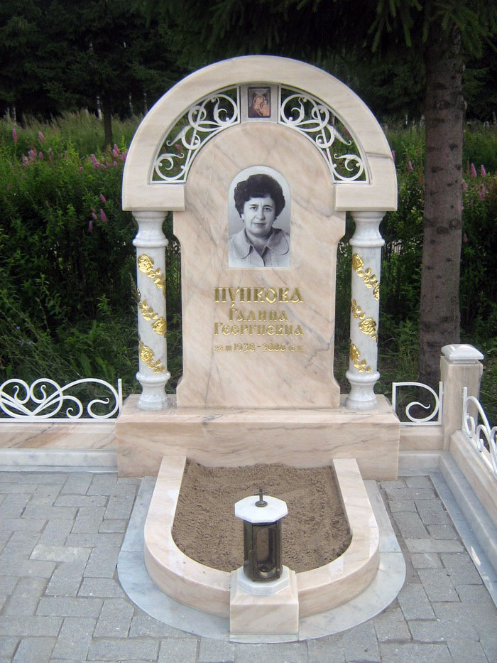Памятники на могилу белый мрамор   отзывы изготовление памятников тверь южноуральск